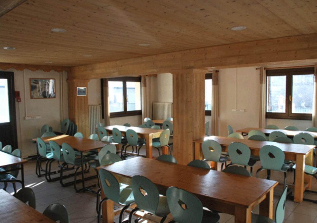 Centre-de-vacances-Chalet-Yaka-refectoire-location-appartement-chalet-Les-Gets