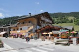 Hotel Alpen Sports - Les Gets - the old village in the summer