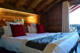 Hotel-Alpina-suite-junior-4-personnes-location-appartement-chalet-Les-Gets