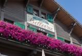 Hotel-Bellevue-exterieur-ete-location-appartement-chalet-Les-Gets
