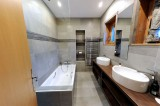 Hotel-Bellevue-salle-de-bain-location-appartement-chalet-Les-Gets