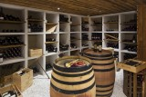 Hotel-Crychar-cave-a-vin-location-appartement-chalet-Les-Gets