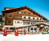Hotel-Grande-Laniere-exterieur-hiver-location-appartement-chalet-Les-Gets