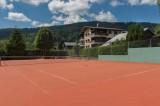 Hotel-Labrador-terrain-tennis-location-appartement-chalet-Les-Gets
