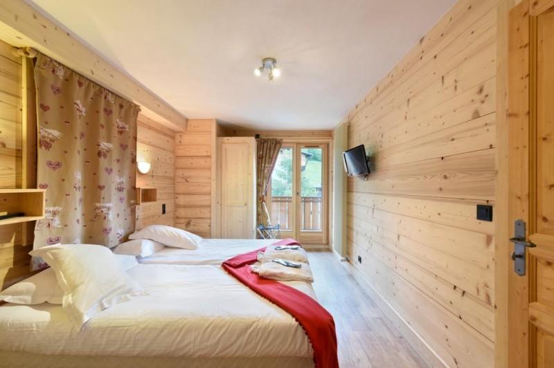 Hotel-Alpen-Sports-chambre-double-location-appartement-chalet-Les-Gets