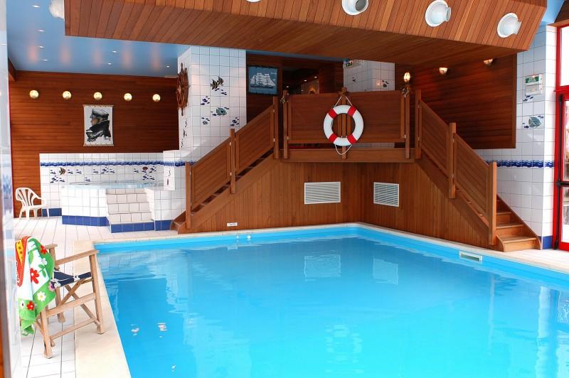 Hotel-Alpina-piscine-location-appartement-chalet-Les-Gets