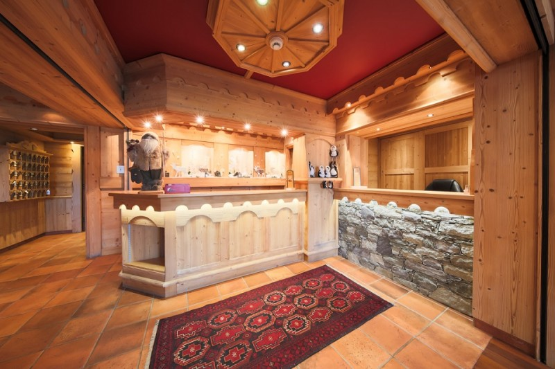 Hotel-Alpina-reception-location-appartement-chalet-Les-Gets