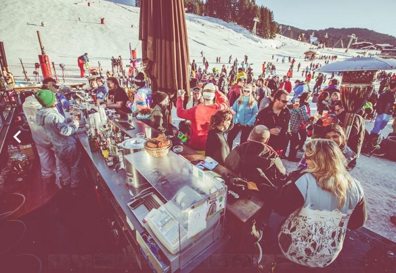 Hotel-Bellevue-concert-Apres-Ski-bar-location-appartement-chalet-Les-Gets