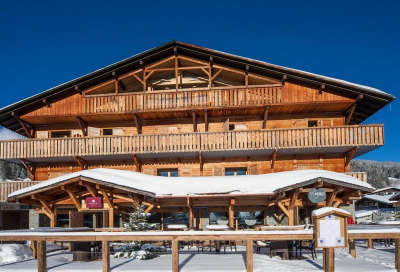 Hotel-Chamois-d-or-exterieur-hiver-location-appartement-chalet-Les-Gets
