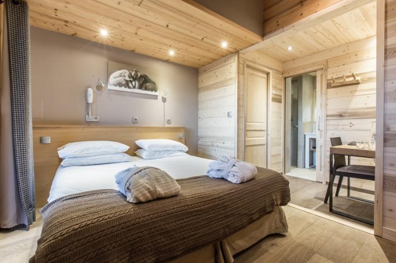 Hotel-Crychar-chambre-double-classique-location-appartement-chalet-Les-Gets