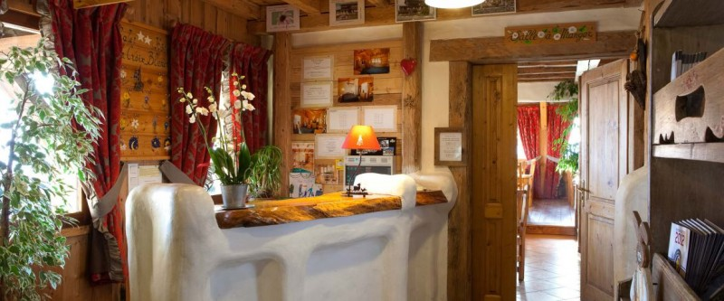 Hotel La Croix Blanche - Les Gets - reception