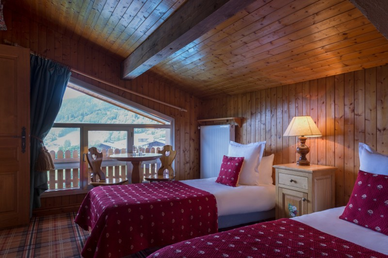 Hotel-Labrador-chambre-communiquante-location-appartement-chalet-Les-Gets