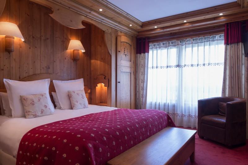 Hotel-Labrador-chambre-junior-suite-location-appartement-chalet-Les-Gets