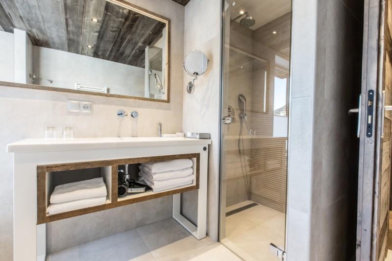 Hotel Le Crychar - Les Gets - salle de bain