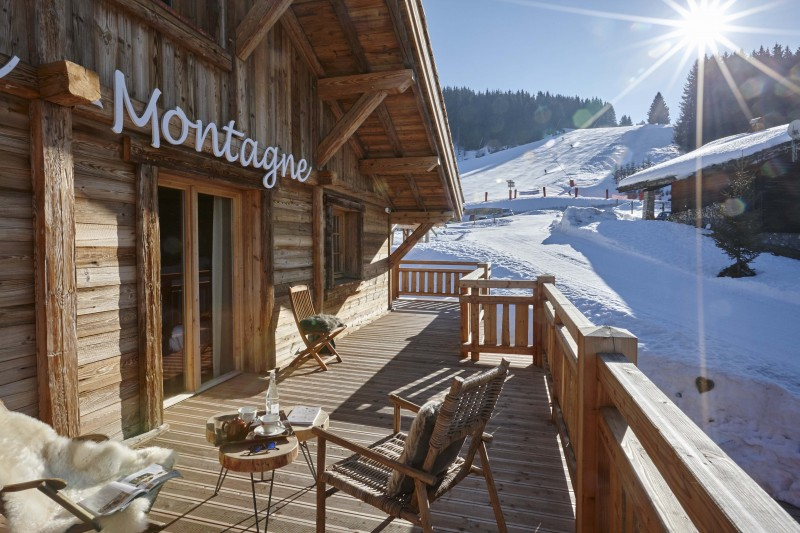 Hotel-Lodge-Le-Chasse-Montagne-balcon-hiver-location-appartement-chalet-Les-Gets