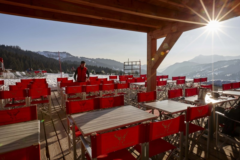 Hotel Lodge Le Chasse Montagne - Les Gets - the terrace in the winter