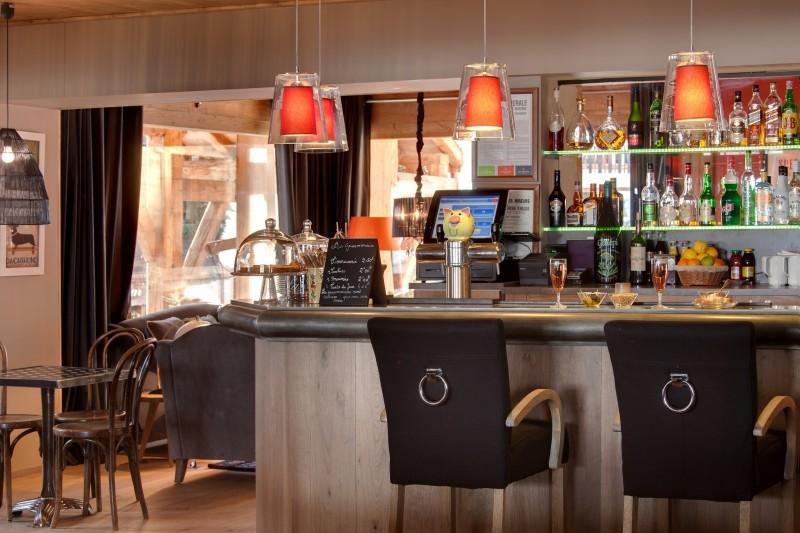 Hotel-Marmotte-bar-location-appartement-chalet-Les-Gets