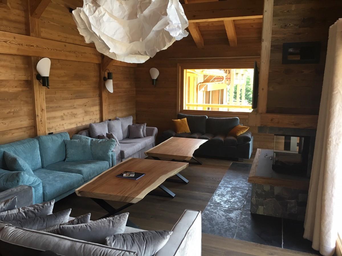 Adelphine-7-salon-location-appartement-chalet-Les-Gets
