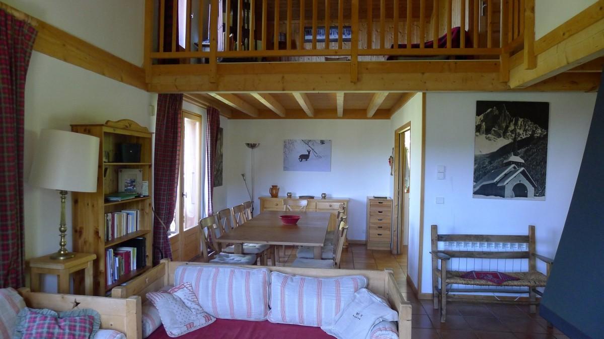 Agapanthe-salle-a-manger-location-appartement-chalet-Les-Gets
