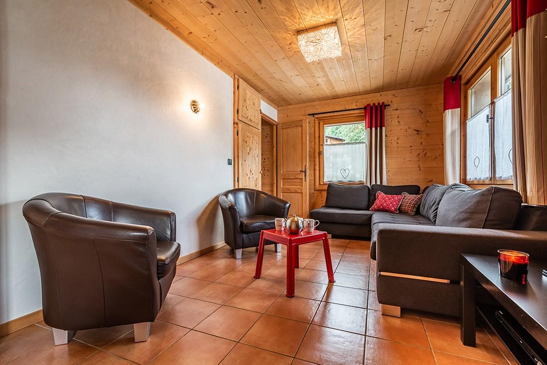 Arolle-Bouquetin-salon-location-appartement-chalet-Les-Gets