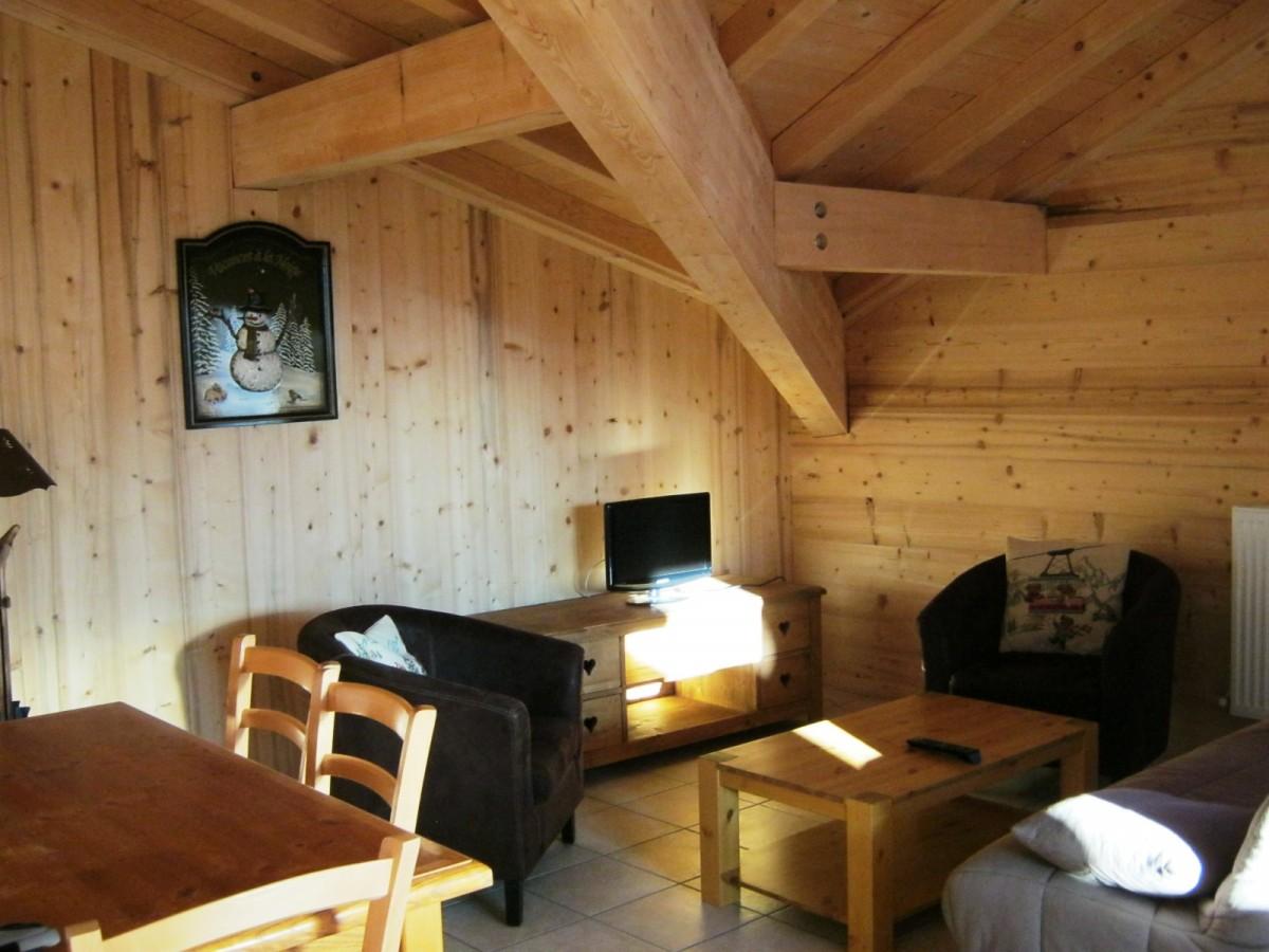 Bleuets-2-sejour-salon-location-appartement-chalet-Les-Gets