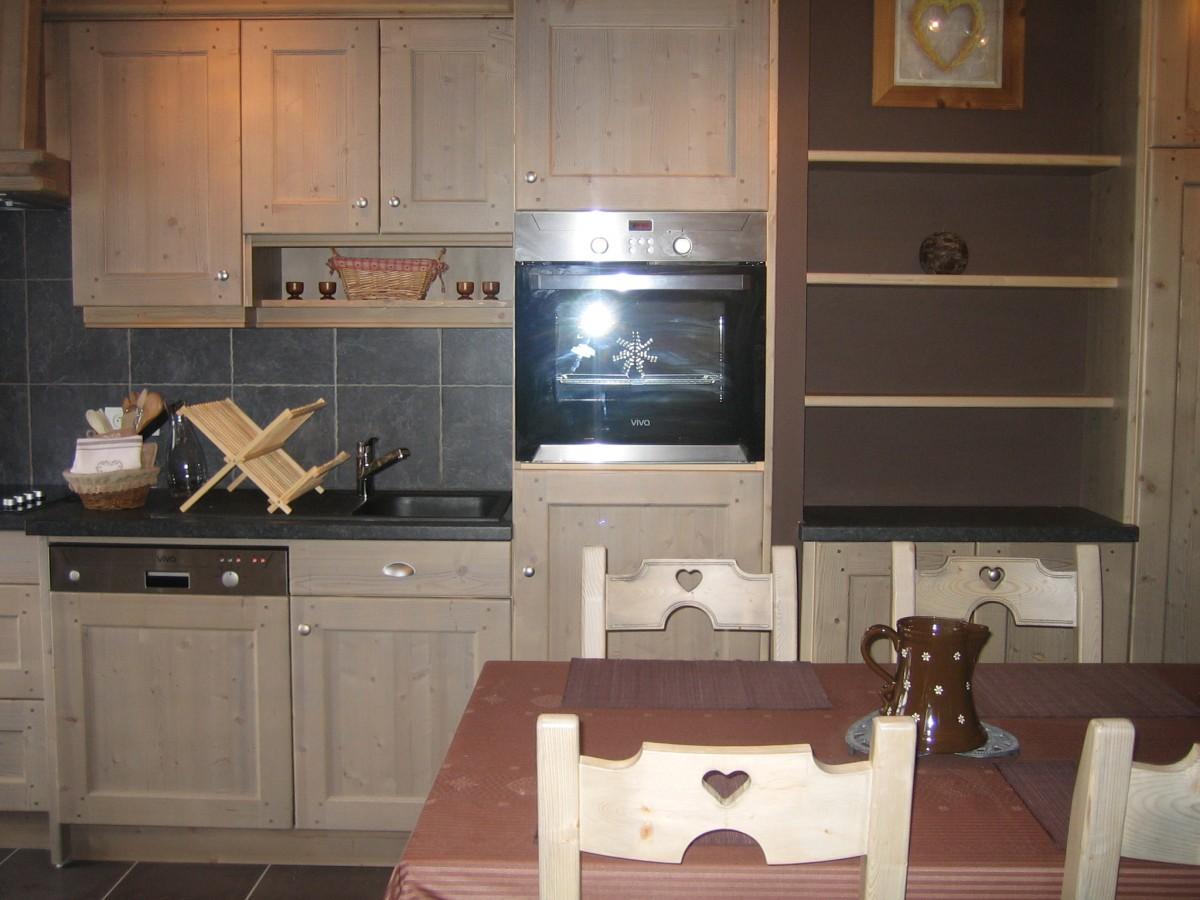 Carry-6-cuisine-location-appartement-chalet-Les-Gets