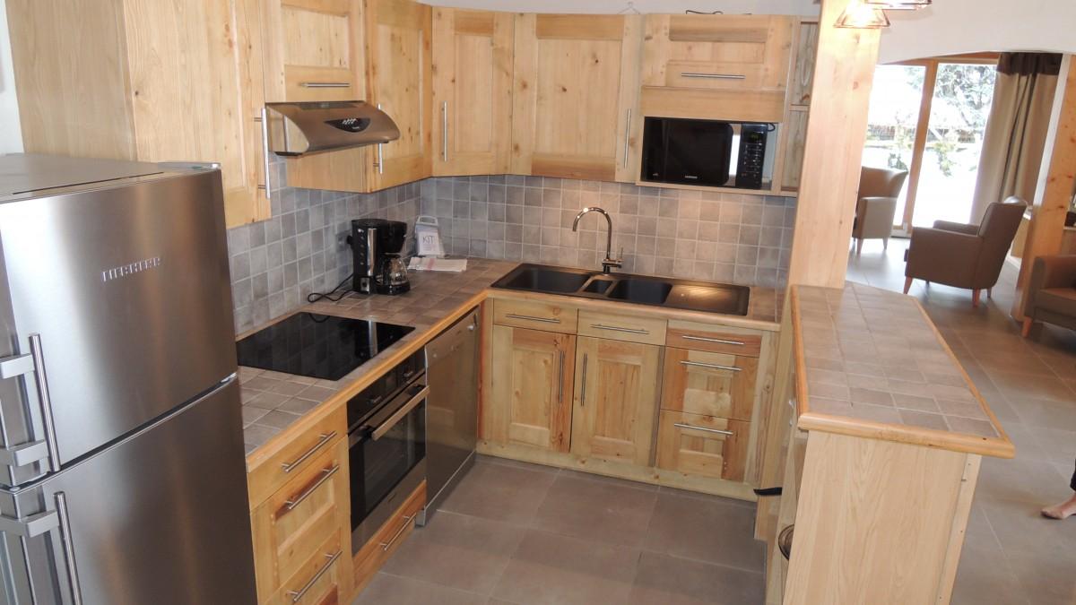 Chalet-hermitage-II-5-pieces-8/10-personnes-cuisine-location-appartement-chalet-Les-Gets