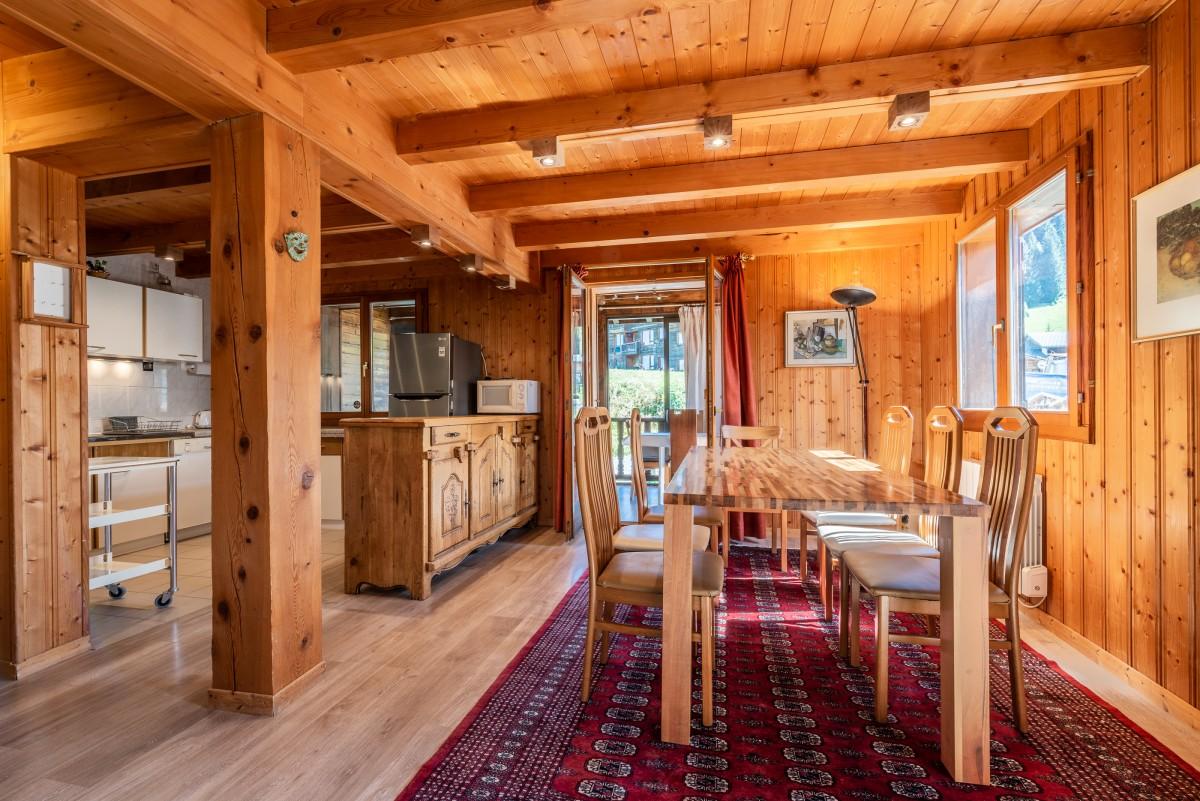 Chalet-La-Taniere-sejour1-location-appartement-chalet-Les-Gets