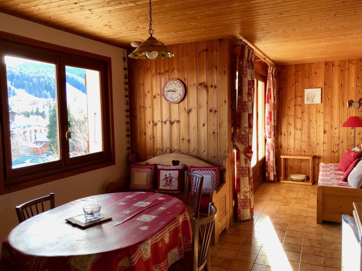 Cristaux-2-sejour-location-appartement-chalet-Les-Gets