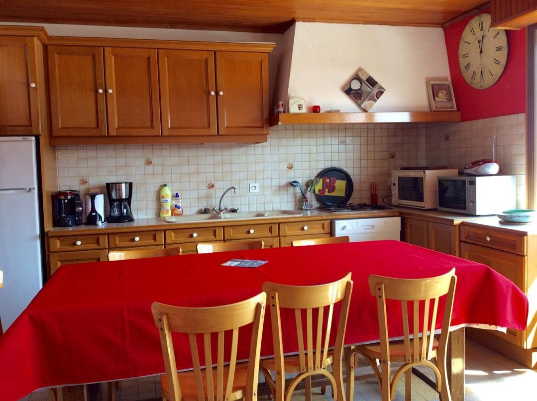 Eau-Vive-2-cuisine-location-appartement-chalet-Les-Gets