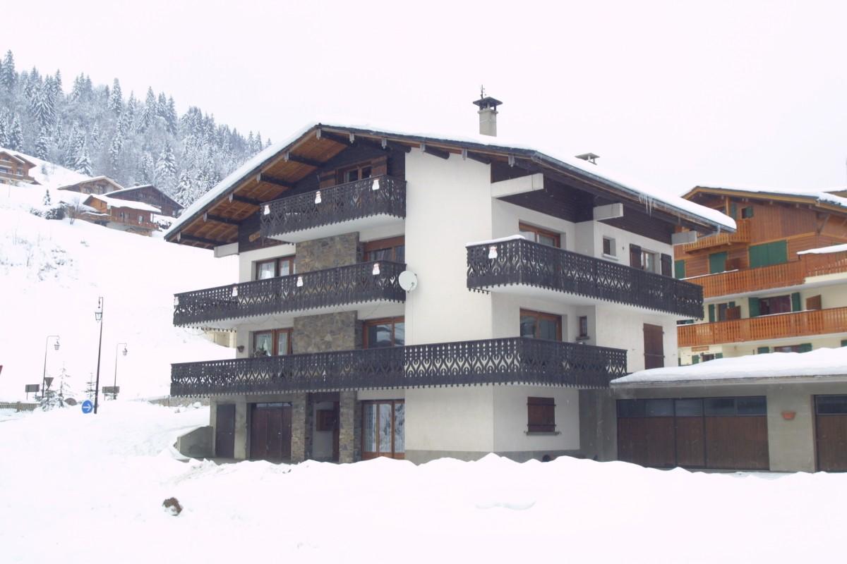 Escapade-3-Turche-exterieur-hiver-location-appartement-chalet-Les-Gets