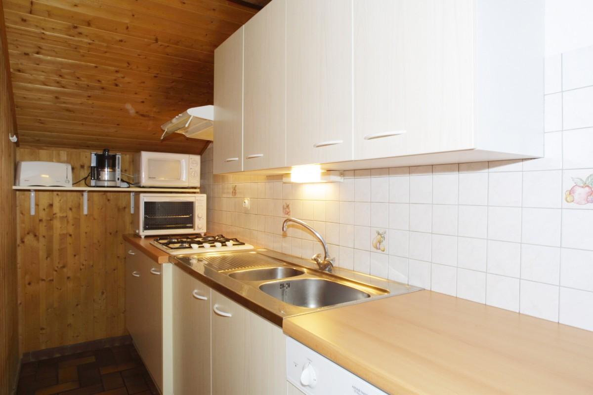 Fauvettes-2-Mont-Caly-cuisine-location-appartement-chalet-Les-Gets