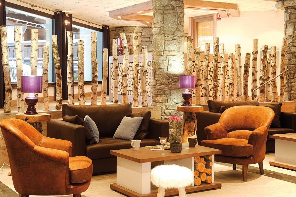 Fermes-d-Emiguy-2-pieces-4-personnes-salon-tisanerie2-location-appartement-chalet-Les-Gets