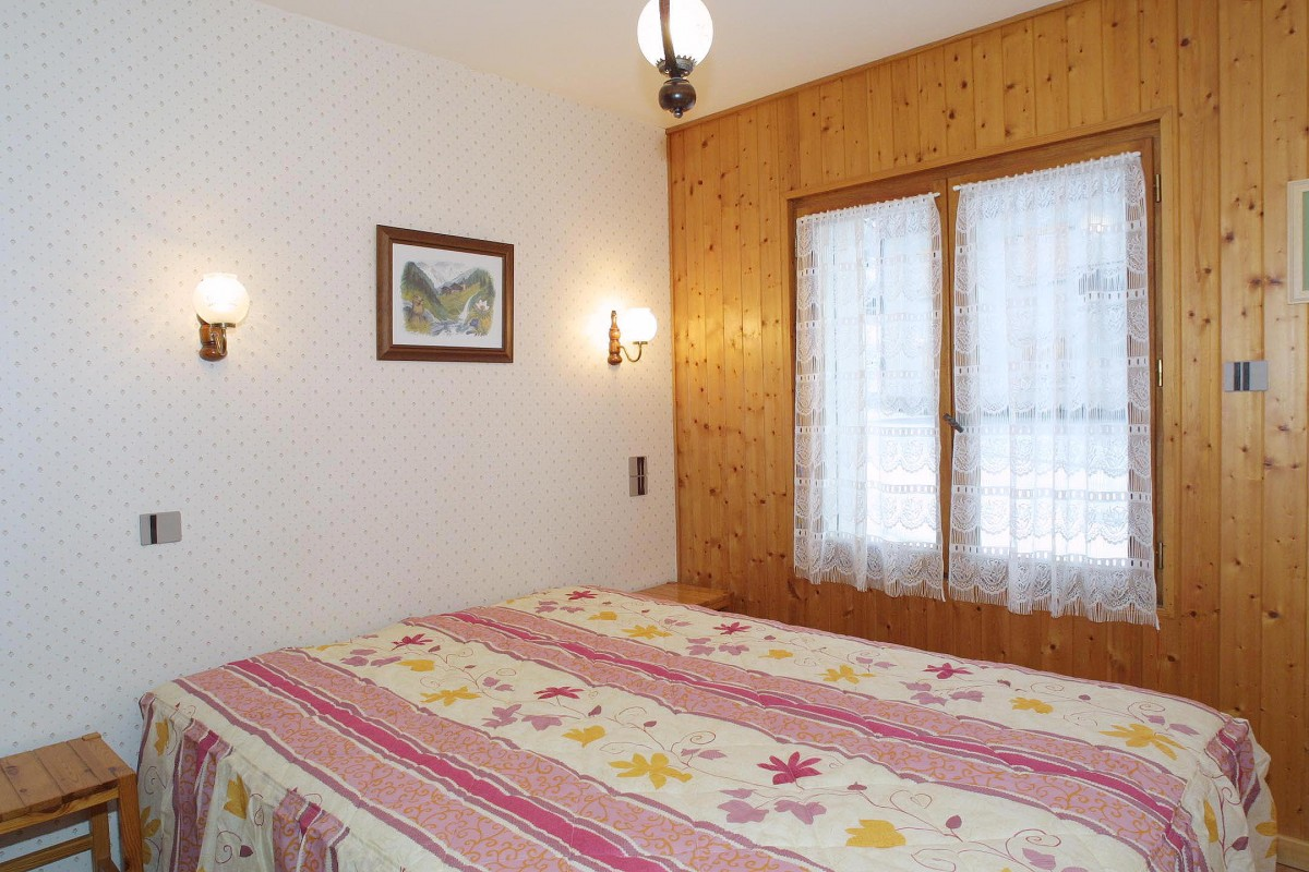 Forge-B-chambre-lit-double-location-appartement-chalet-Les-Gets