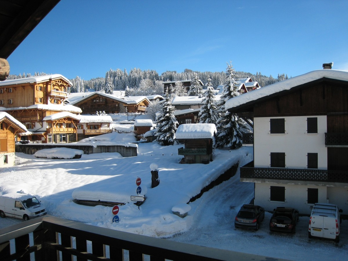 Isba-1-vue-hiver-location-appartement-chalet-Les-Gets