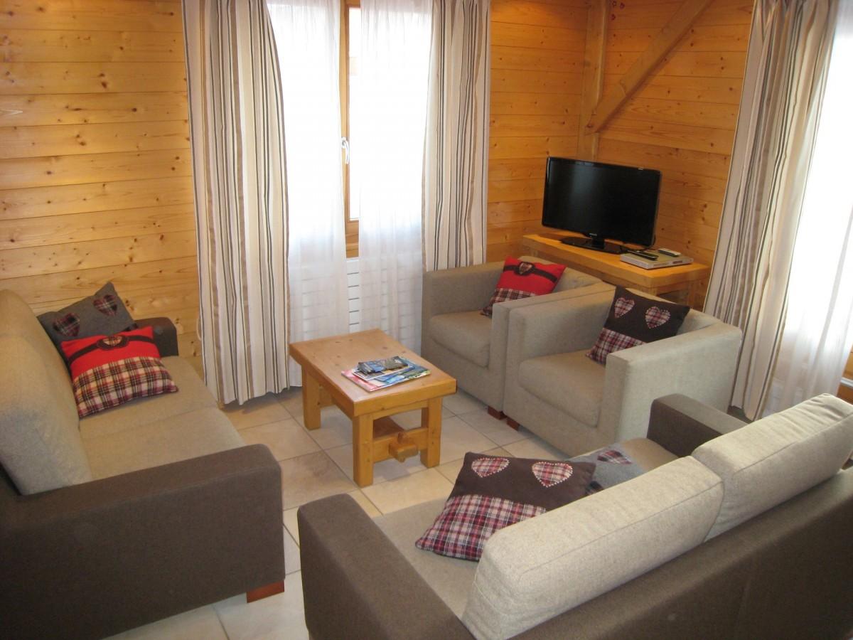 Isba-4-salon-location-appartement-chalet-Les-Gets