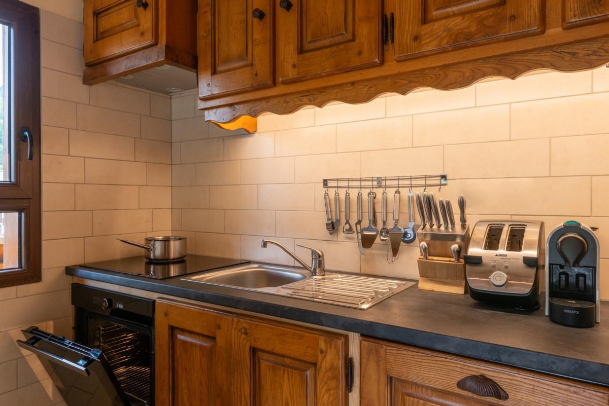 Labrador-3-pieces-4-6-personnes-cuisine-location-appartement-chalet-Les-Gets