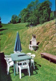 Metrallins-Muguet-exterieur-ete-terrasse-location-appartement-chalet-Les-Gets