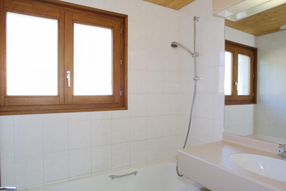 Nevada-4-salle-de-bain-location-appartement-chalet-Les-Gets