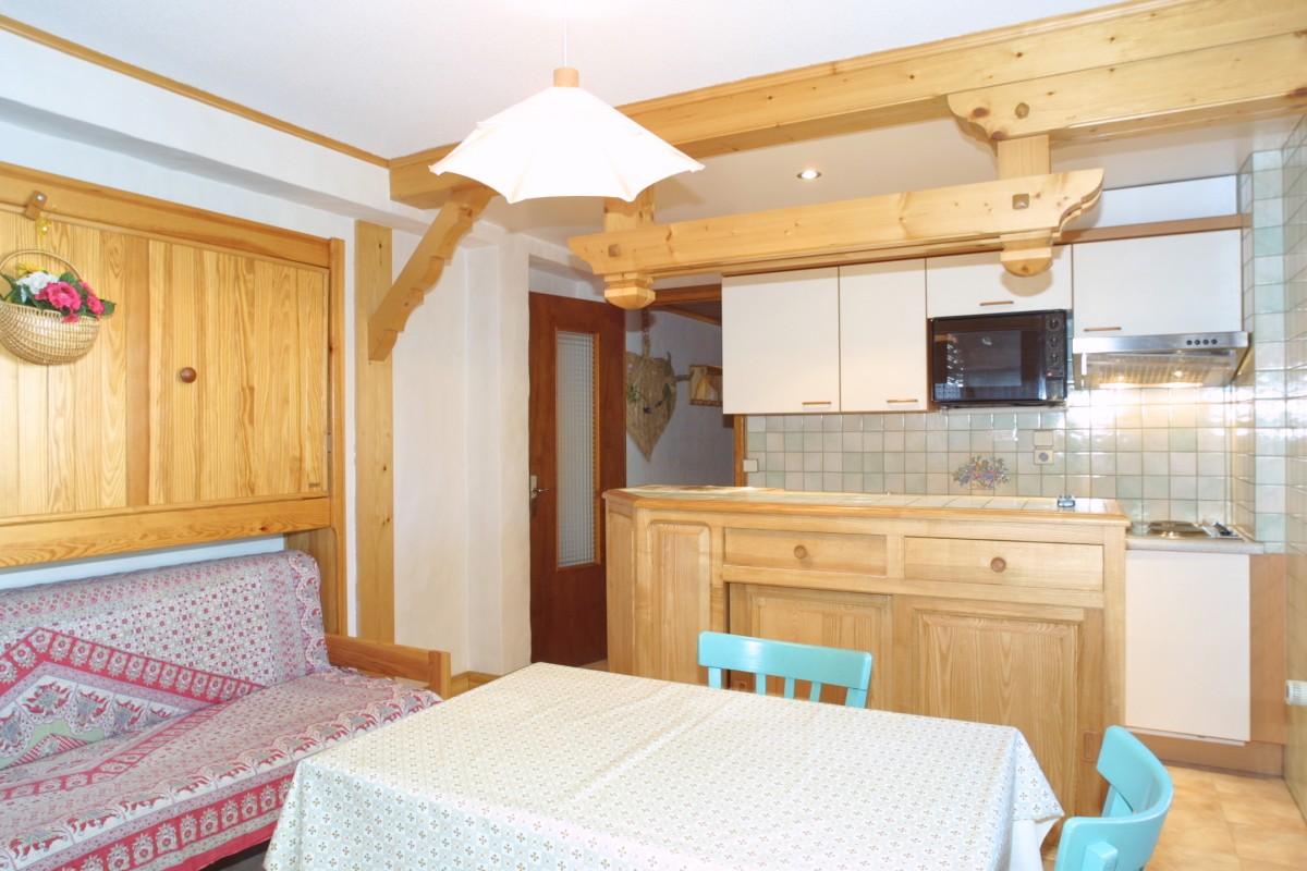nevada005-int-kitchenette-jpg-71540