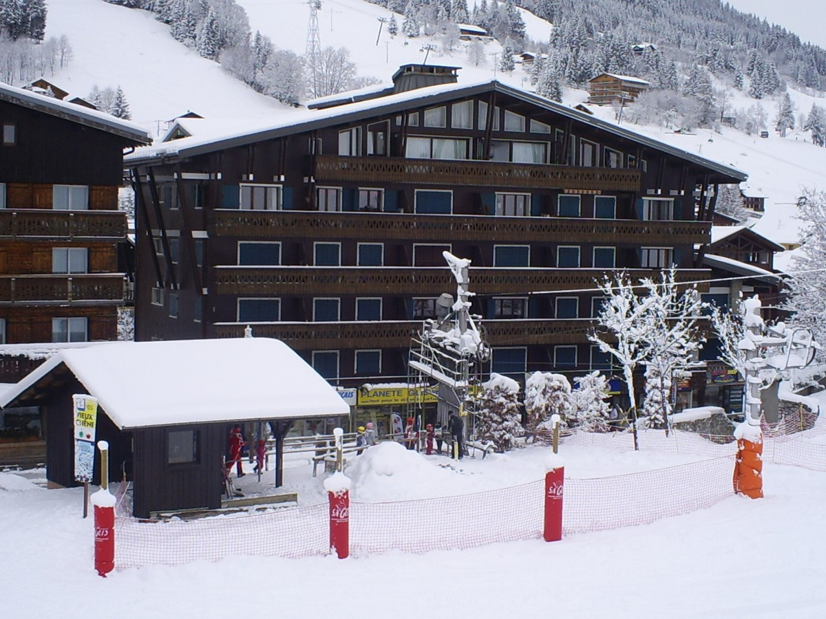 Ranfolly-B7-vue-hiver-location-appartement-chalet-Les-Gets