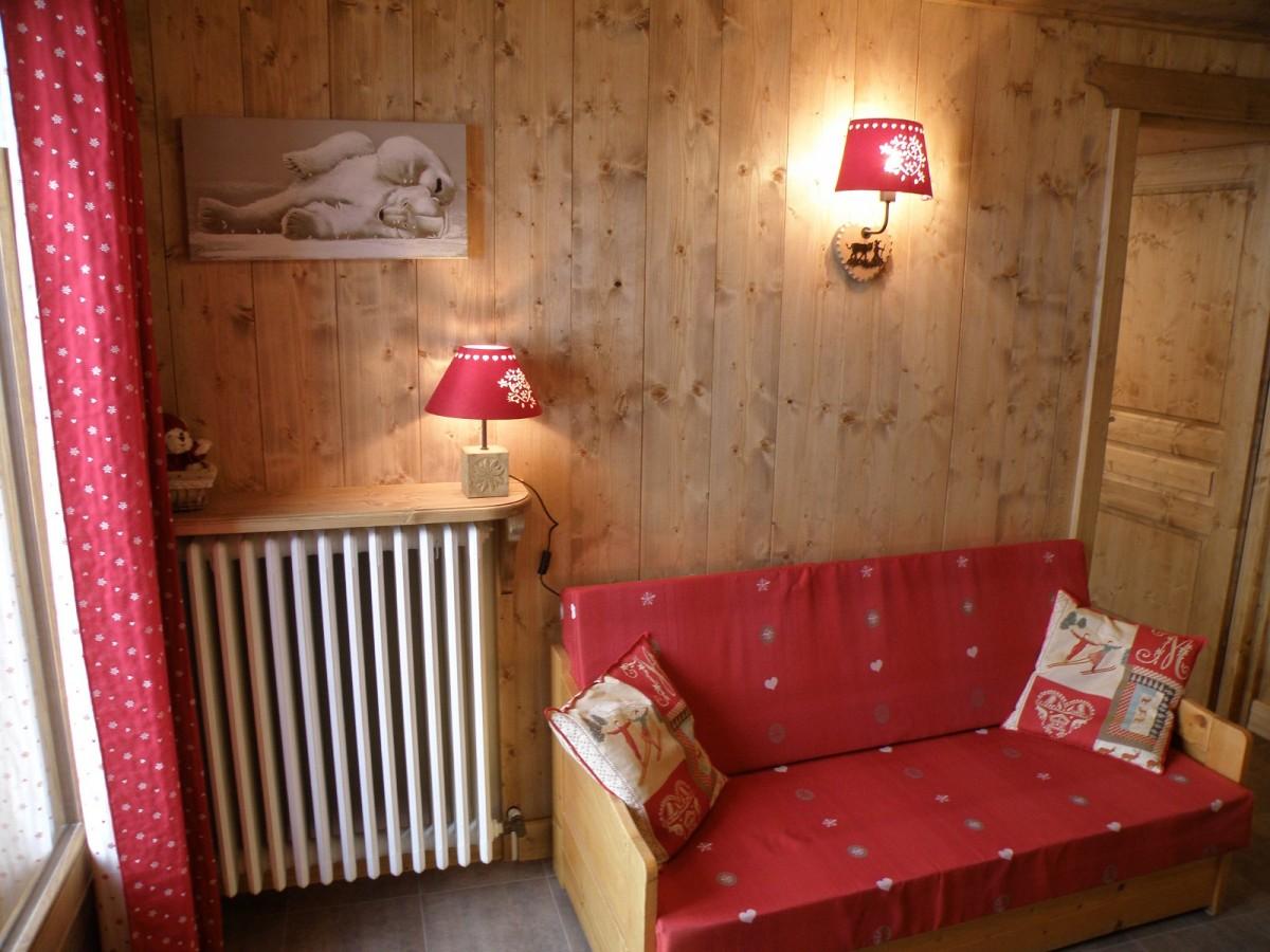Sapiniere-7-canape-location-appartement-chalet-Les-Gets