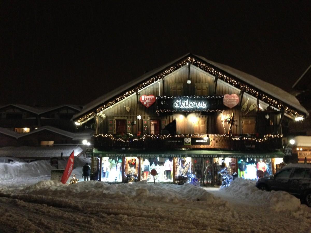 Ski-Love-Jours-de-Neige-exterieur-location-appartement-chalet-Les-Gets