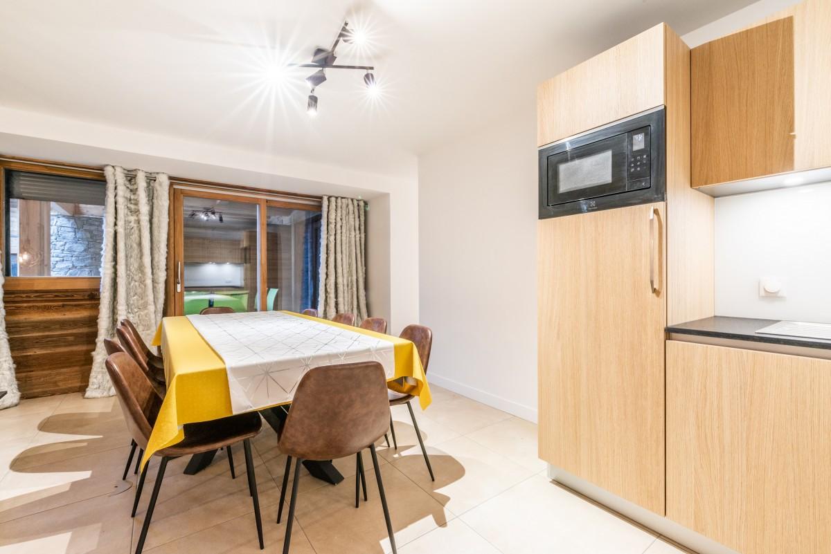 Solaret-206-coin-repas-location-appartement-chalet-Les-Gets