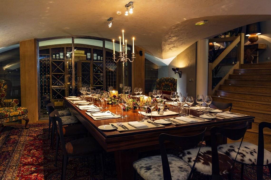 table-set-for-dinner-246648