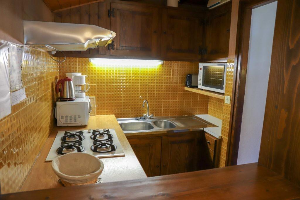 Tournier-4-cuisine-location-appartement-chalet-Les-Gets
