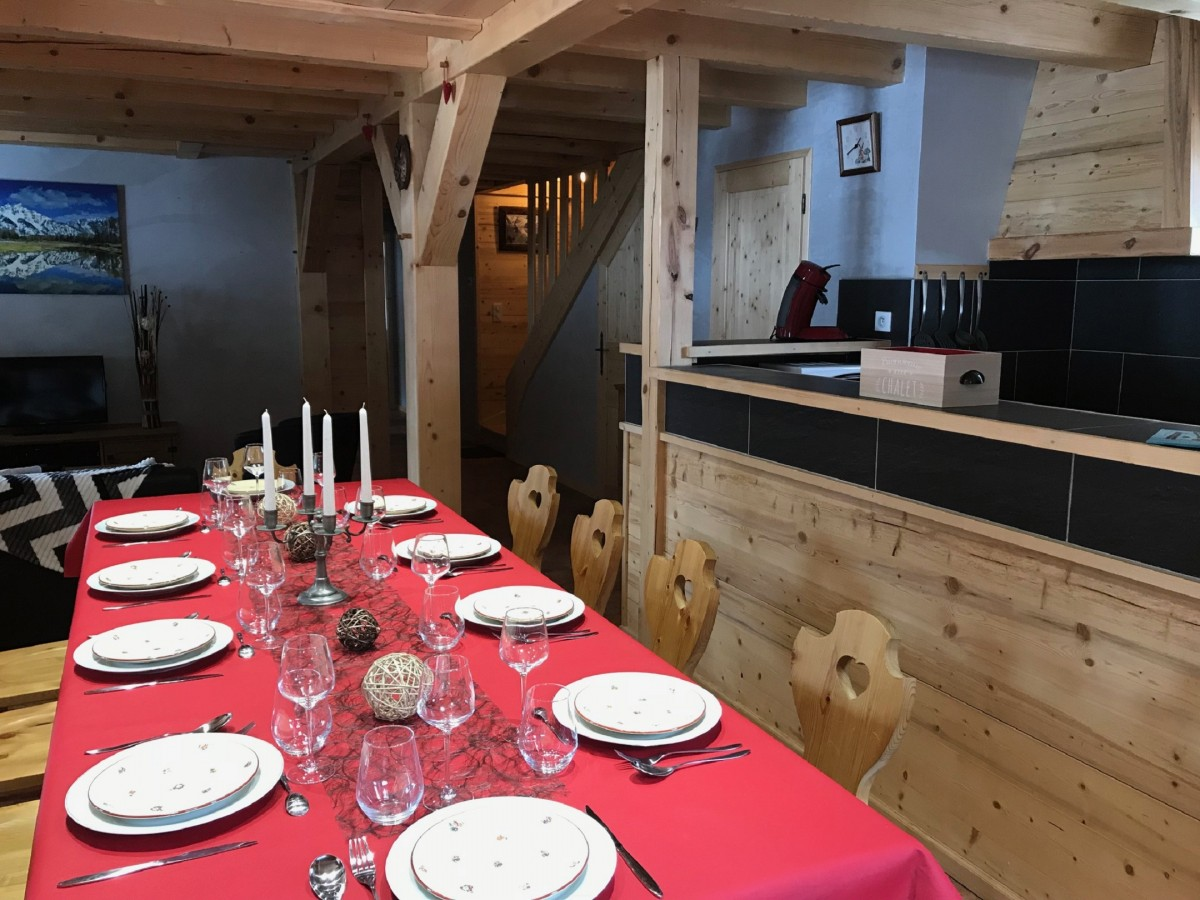 Varlope-salle-a-manger2-location-appartement-chalet-Les-Gets