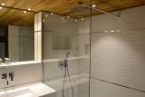 Adelphine-1-salle-de-bain-location-appartement-chalet-Les-Gets