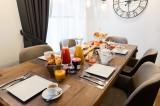 Annapurna-B104-salle-a-manger-location-appartement-chalet-Les-Gets
