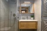 Annapurna-B104-salle-de-bain-location-appartement-chalet-Les-Gets